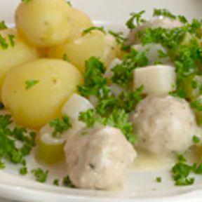 Boller i selleri med hvide kartofler