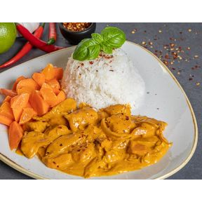 Indisk butter chicken, råstegte gulerødder med appelsin og jasmin ris