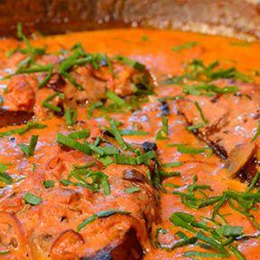 Fadkoteletter i paprika sovs, stegte grøntsager, kartoffelmos